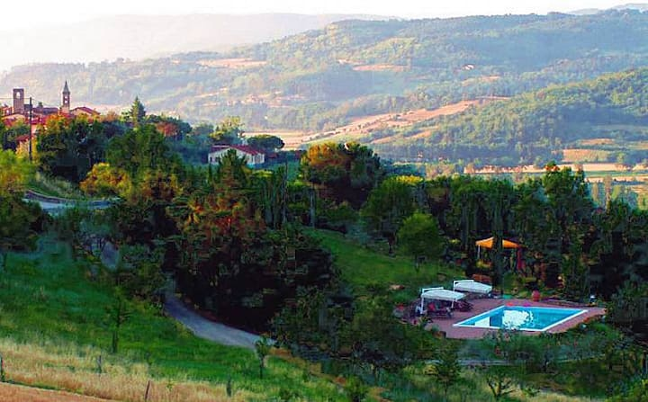 luxury villa in centre of tuscany