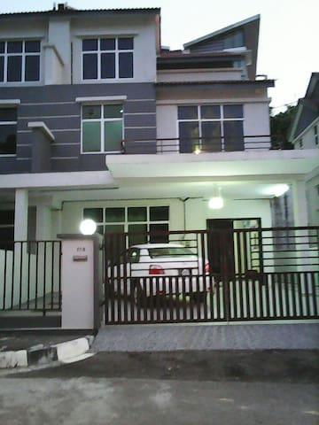 Shalu Homestay Penang - Bayan Lepas - Huis