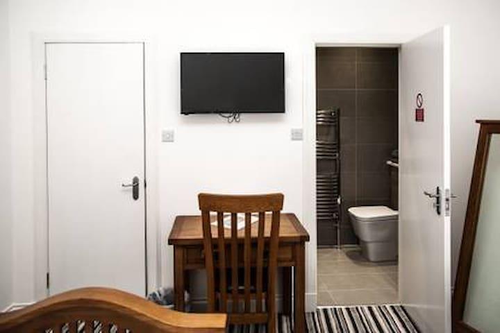 Maze Property Scotland Bedroom 2