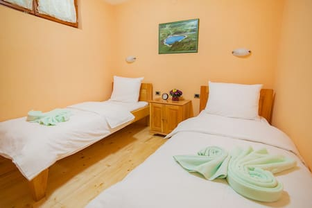 Gacka - Room with a Lovely View 2 - Mojkovac - Bed & Breakfast