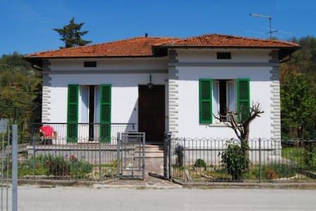 The lands of the Renaissance - Mercatello Sul Metauro - Casa de campo