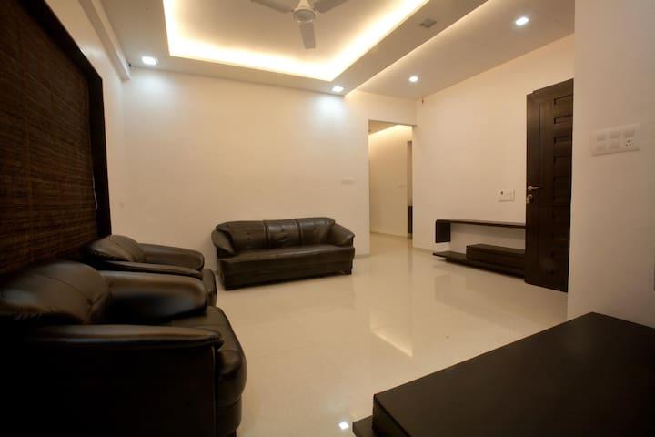 Service Apartment - Surat - Byt