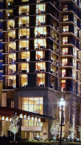 Room on top floor of luxury hotel - Branson - Apartament