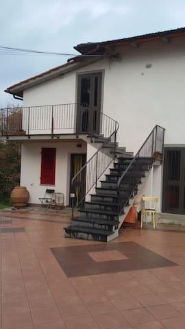 case basse - Figline e Incisa Valdarno - Lägenhet
