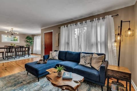 Pet friendly, near hospitals and parks!