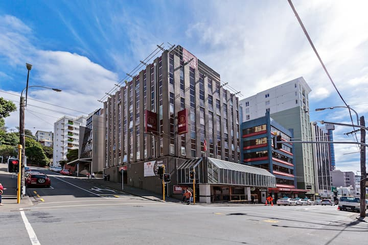 Centrally located Wellington Hotel
