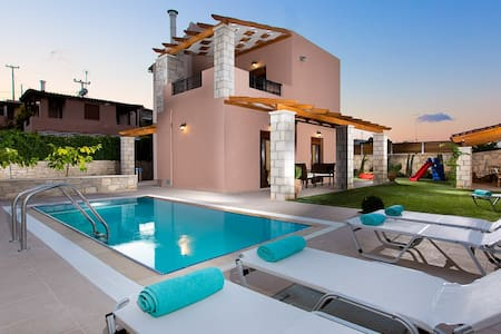 Villa Maria with private pool !!