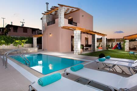 Villa Maria with private pool !!