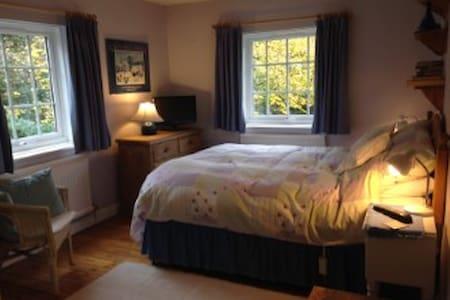 Orchard House - Maidenhead - House