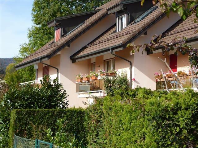 Belle chambre privée entre Lausanne et Genève