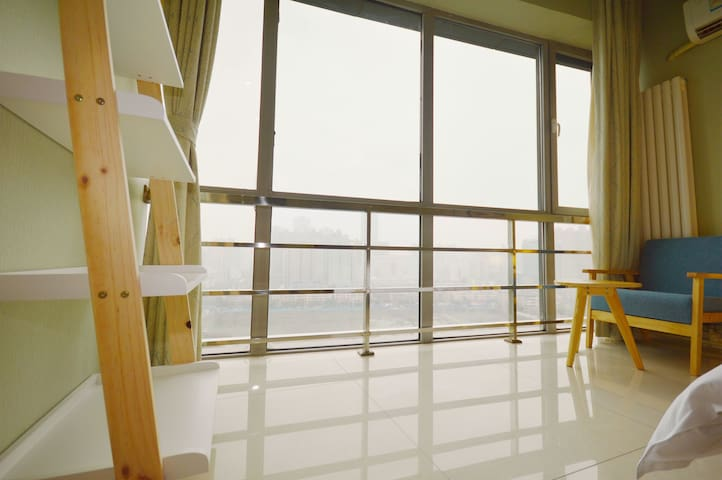 【北美新天地旁】文艺影音情侣套房 - Taiyuan Shi - Apartemen