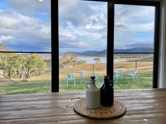 Lake Jindabyne Estate - Brumby Chalet