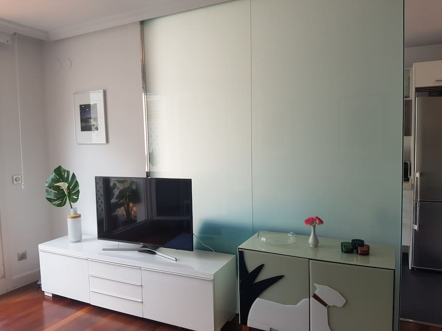 Salón con smart tv