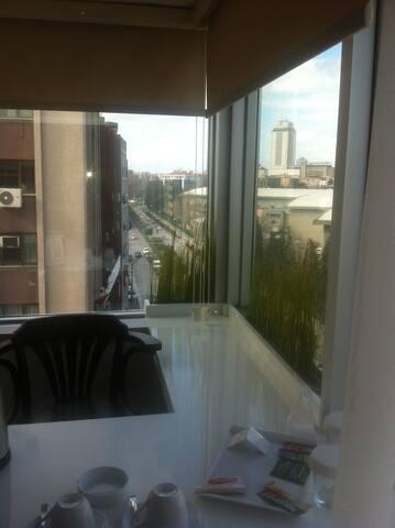 home office breakfast included - Izmir - Bed & Breakfast