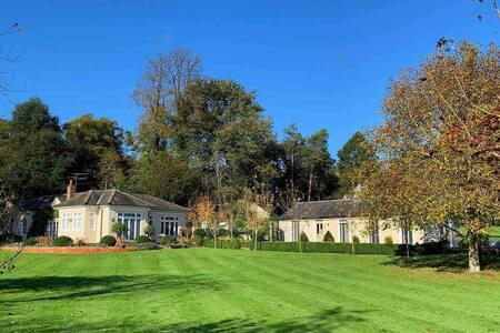 5* Luxurious Victorian Villa - Gosfield, Halstead