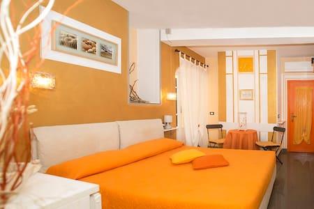 B&B I Coralli Yellow gorgonia room - Monterosso Al Mare - ที่พักพร้อมอาหารเช้า