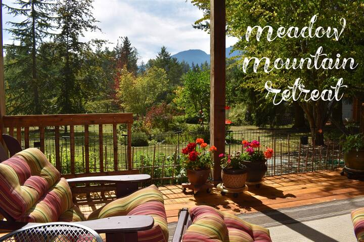 New! Meadow Mountain Retreat with Private Hot Tub
