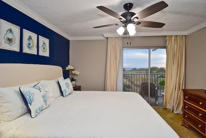 Stunning 2 Bedroom/ 2 Bath by Siesta Key Beach!!