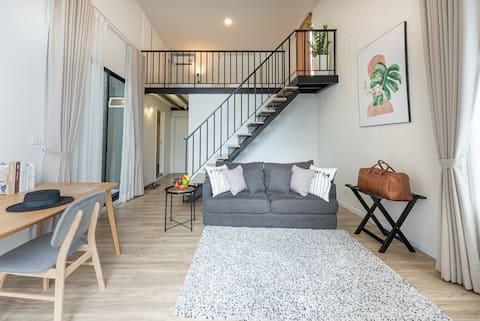 2Bedroom Duplex(Family)Suite@Q-Box Bangkok Blossom