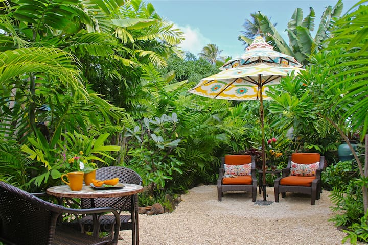 Secluded Kailua Beach Bungalow with Private Garden