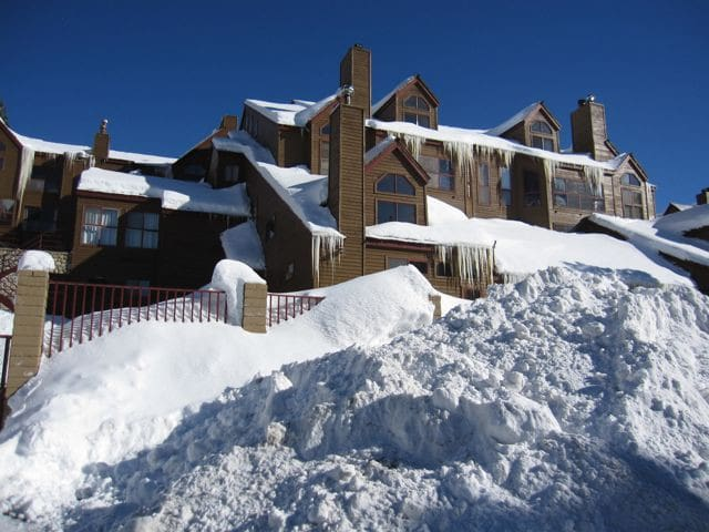 Condo 5 min walk from Eagle Lift! - Mammoth Lakes - Appartement