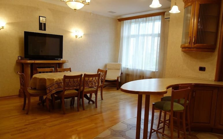 Large flat. 4 people - Baku - Apartment