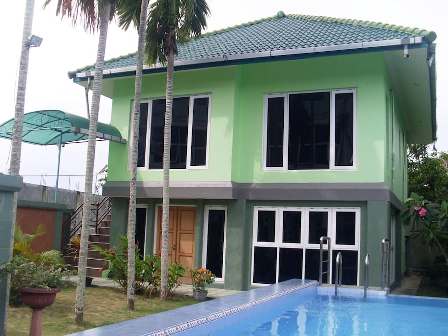 Apartment : 2 bedrooms, 2 bedrooms with hot shower, living room, kitchen (all furnished), Airconditioned, wif-fi, swimming pool in front of apartment.