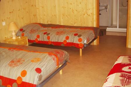 chambre à la campagne - Landos - Guesthouse