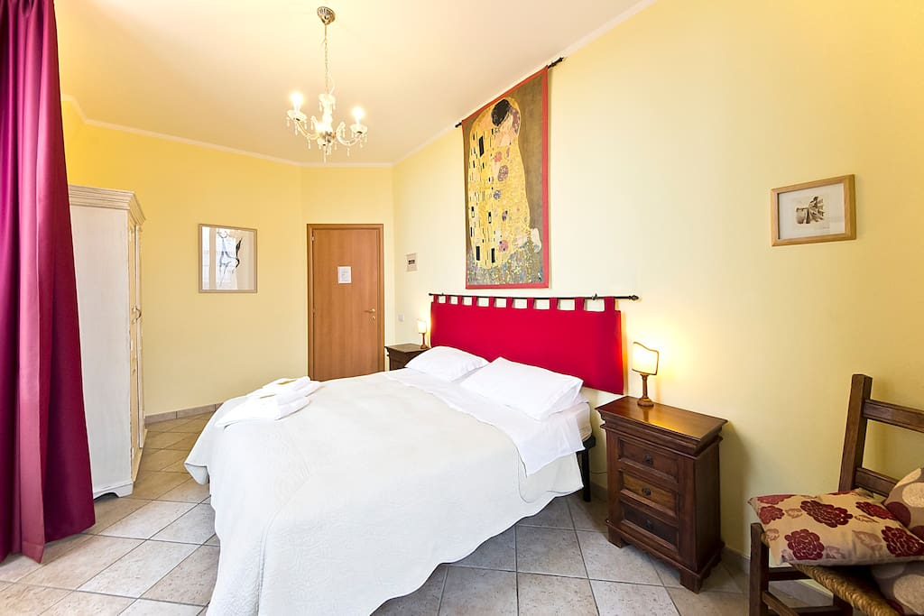 Camera con vista sulla torre del mangia bed breakfast - Bed and breakfast porta romana milano ...