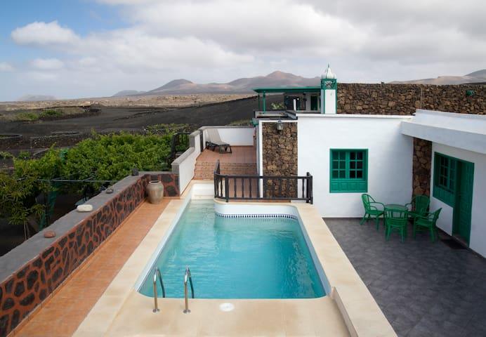 Casa Diama 1, para 4 con piscina - Yaiza - Rumah