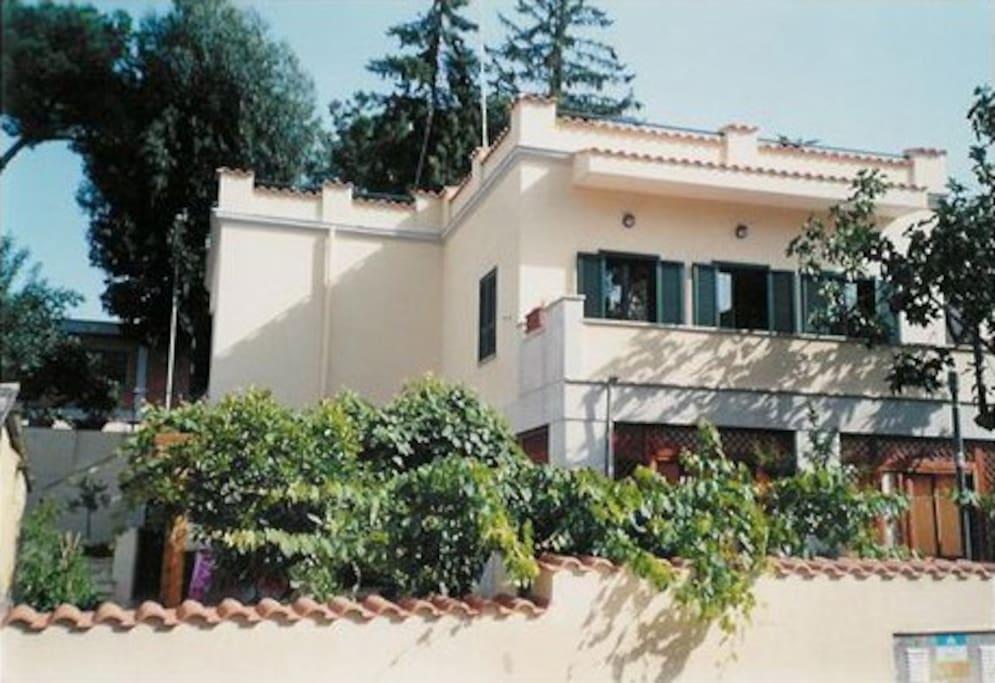 Villa rome b b a s pietro in metro ville in affitto a roma lazio italia - Piscine roma nord ...