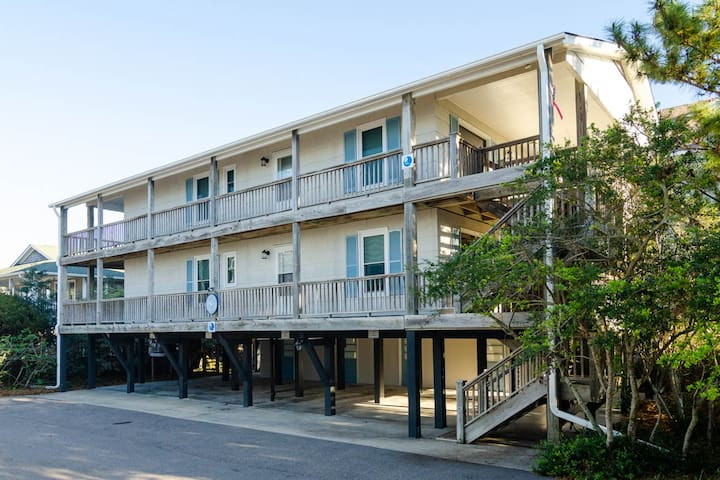 Gray Whale, Lower Unit-Duplex offering the classic Wrightsville experience at the quiet south end