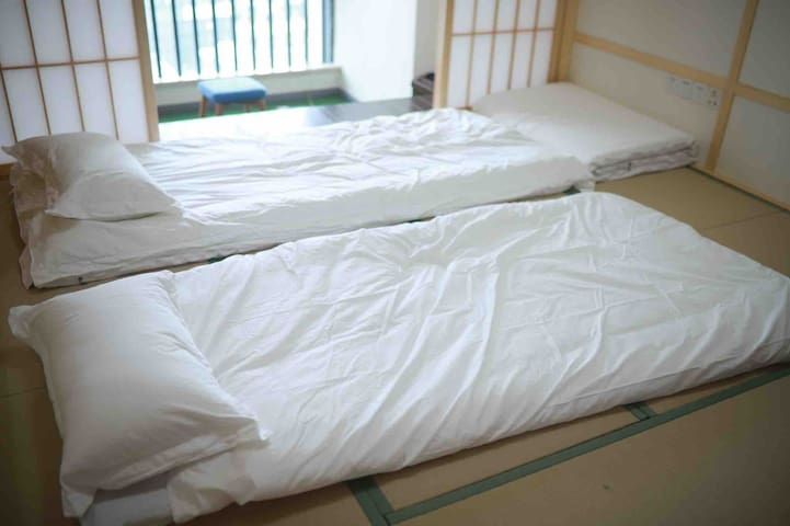卧室榻榻米图片