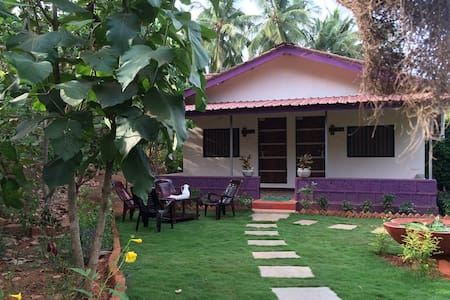 Gratitude Stays - Deluxe rooms with open Lawn
