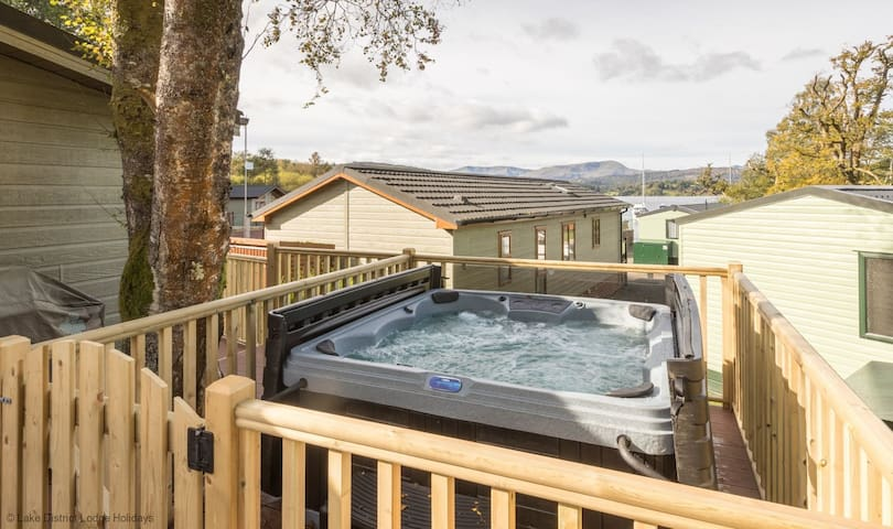 High View Lodge, White Cross Bay Holiday Park