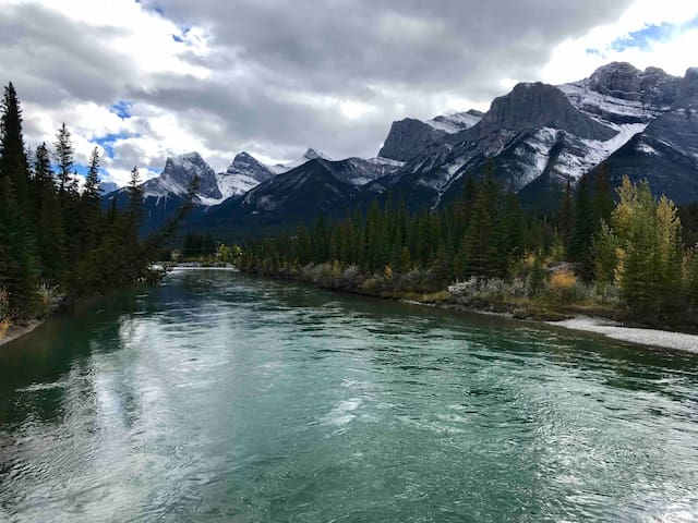 Canmore with Mountain Views & Close to Downtown