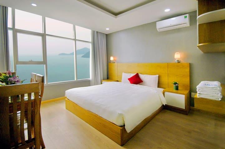 Economy OCEAN View 2 double bed apartment