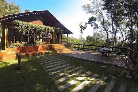 Chalé em condomínio com área de lazer completo - Domingos Martins - Casa