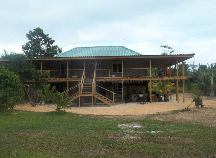 Mullins River Abode with Disc Golf Course