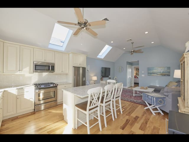 Sunny 1BR Apartment Spring Rental at the Shore!