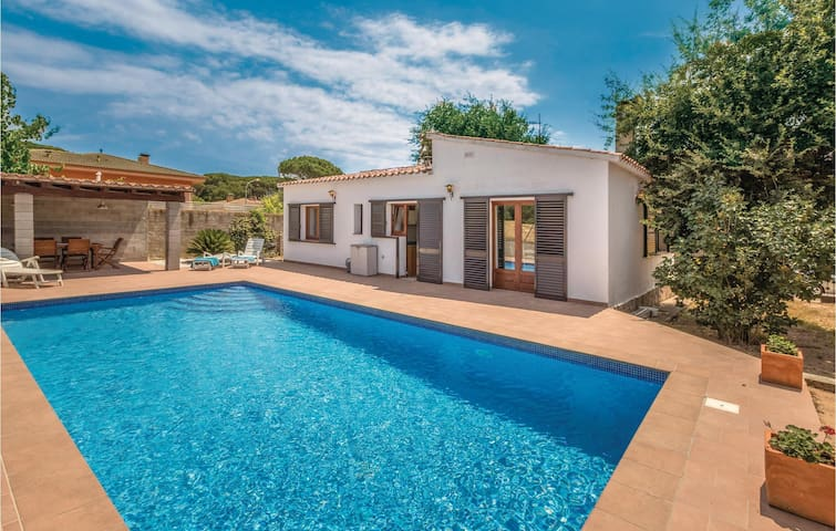 Holiday cottage with 3 bedrooms on 95m² in Vidreres