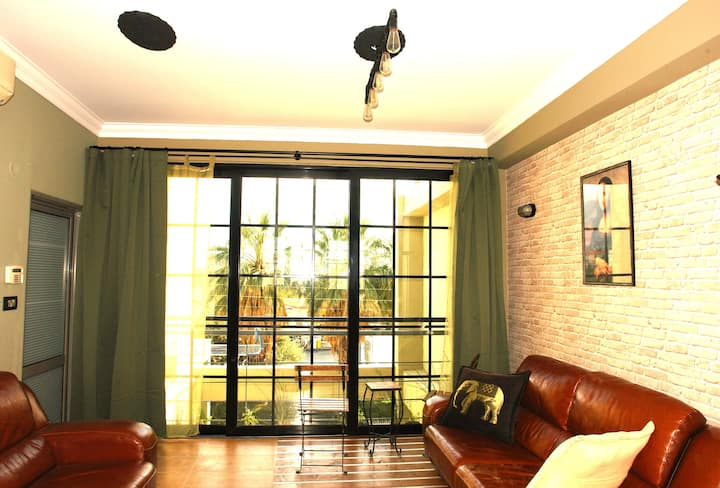 """Green Lux "" apt close to Port + Center / PARKING"