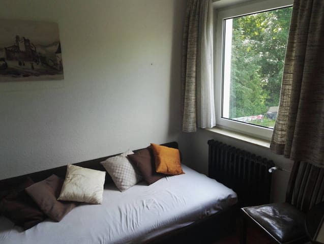 Small room in shared flat with garden
