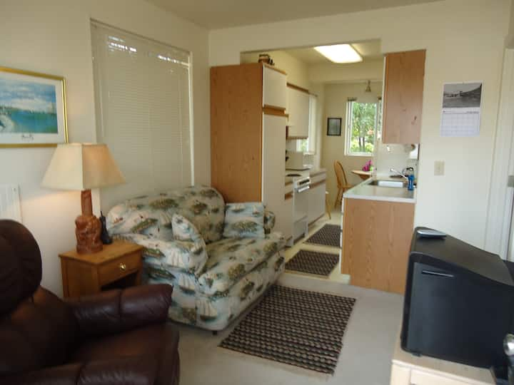 Alsea Suite, Bedroom Kitchen Suite W/Beach Access