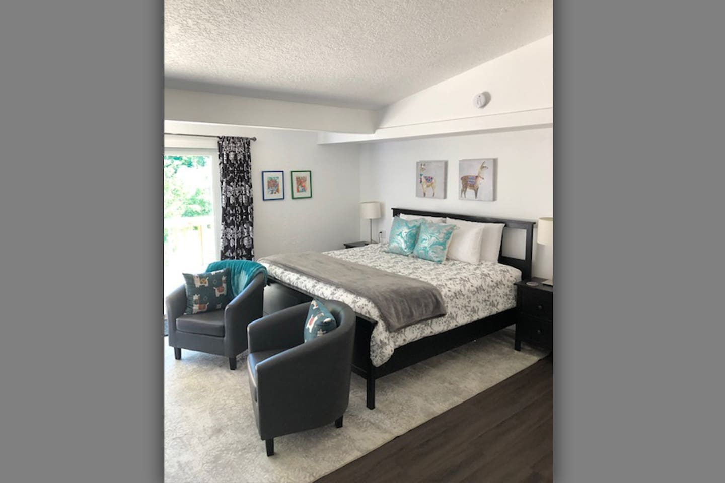 A large room with a very comfortable King-sized bed!