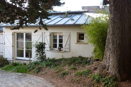 Maison-studio  Disney-land  Paris  Seine et Marne - Dampmart - House