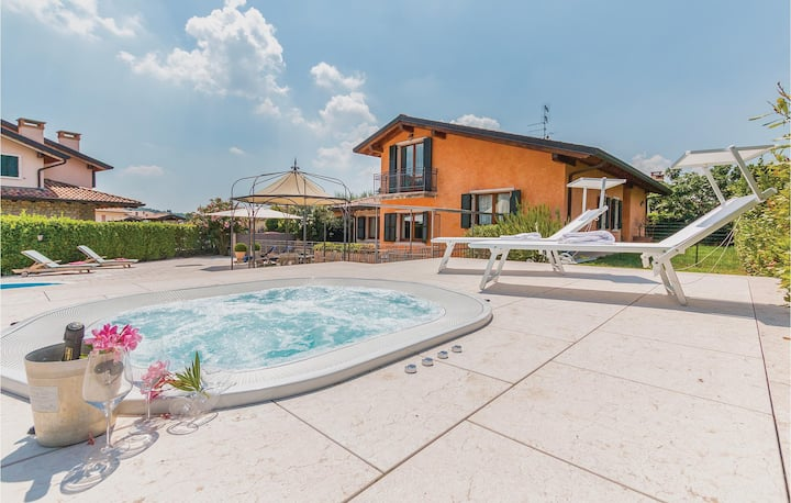 Holiday cottage with 7 bedrooms on 450m² in Fumane -VR-