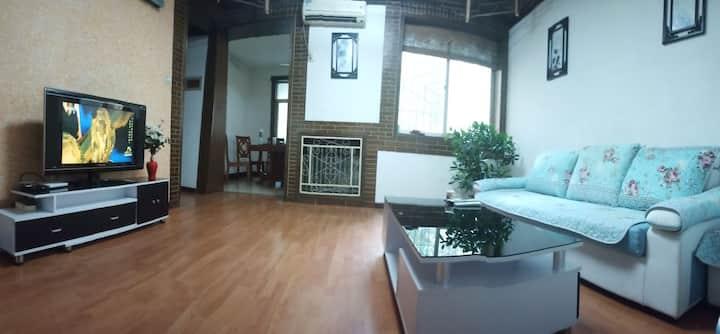 距华山景区游客中心500米安静两室两厅五人套