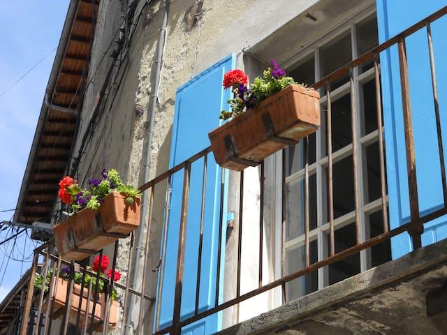 Bel appart. accueillant dans village pittoresque - Pont-en-Royans - บ้าน
