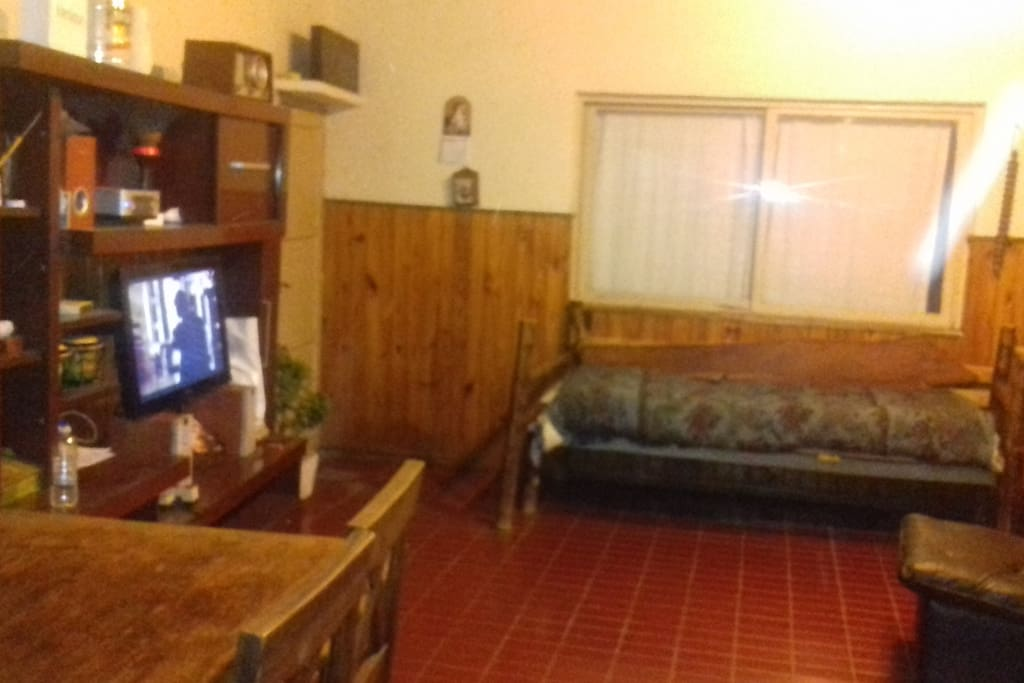 Sala de estar : sillon ,,tv por cable ,wifi